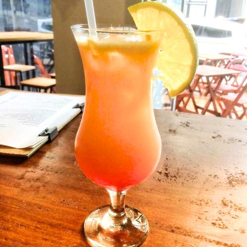 Mundano Bar em São Paulo Drink Sex and Beach